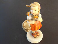 """Hummel Goebel Figurine 96, TMK-2  """"LITTLE SHOPPER """" 4-3/4"""" Full Bee Mark . EX!"""