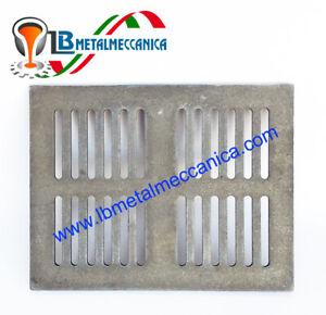 Grille en fonte pour chute de cendres et aération  30,4x20,9 Cm LB-GC305210
