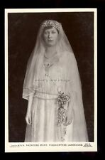 r3914 - Princess Mary Viscountess Lascelles in her Wedding Dresss - postcard