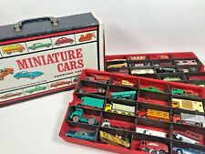 1966 MATTEL MINIATURE CAR CARRYING CASE PLUS 40 MATCHBOX DIECAST LESNEY VEHICLES