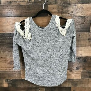Entro Women's Heather Gray Lace Trim Cold Shoulder Top With Round Hem Size Small