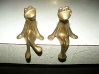"""Two 2 Brass Frogs Sweet Couple Sitting 3.75"""" × 2.5"""" TAG INDIA"""