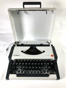 Olympia Traveller Vintage Portable Manual Typewriter White with Carry Hard Case