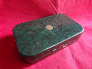 A GOOD MODERN HARDY NERODA DRYWET FLY BOX + COLLECTION OF LAKE FLIES/LURES