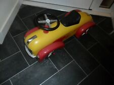 LARGE METAL CHILD;S RIDE ON CAR , FINE USED CONDITION /RRP NEW £225.00
