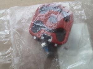 NEW GENUINE JAGUAR XF XJ XK E-PACE REAR EXHAUST BOX MOUNTING HANGER C2P13213
