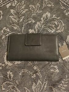 Women's Merona  Black Leather Wallet Photo Clutch