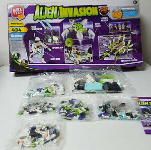 New in Opened Box Block Tech Alien Invasion Space Galaxy 434 Pieces w Mini Figs