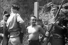 WW2 - Dernière cigarette pour un fasciste italien condamné à mort