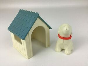Little Tikes Dollhouse Family Accessories Vintage Dog House with Dog Lot