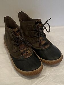 SOREL OUT N ABOUT CAMO GREEN WATERPROOF BOOTIE ELK SIZE 8.5 Pristine