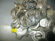 � Miscellaneous box of 50 hubcaps from Various Makes and Model Vehicles �