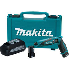 Makita TD021DSE 7.2-Volt 1/4-Inch 0-2,300 Rpm Lithium-Ion Hex Impact Driver Kit