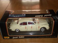 1959 JAGUAR Mark II, MAISTO DIE CAST METAL BODY - Model Car Toy, Scale 1/18