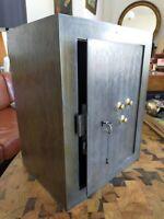 Coffre fort fin 19 début 20ème en acier Clé et code 45x35 cm 25 kgs