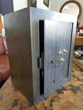 Coffre fort ancien 19ème en acier Clé et code 45x35 cm 25 kgs
