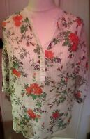 Ladies Pretty White Floral Top With Silver Stripes Size 10/12