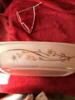 Vintage Pyrex Golden Honeysuckle White Gold 1 1/2 qt Casserole with Lid