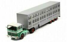 Camions miniatures verts Mercedes