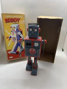 Retro Toy - Tin Robot