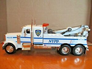 """JADA 1/32 SCALE PETER-BUILT  """"NYPD POLICE TOW TRUCK"""" VERY DETAILED & RARE 11"""""""