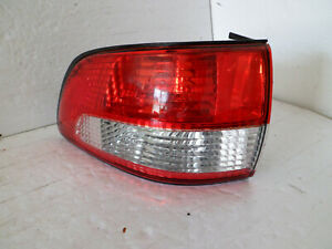 2001 2002 2003 Toyota Sienna tail light driver side