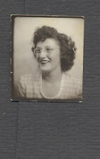 Vintage 1944 Photo Pretty Girl w/ Glasses in Photobooth 692753