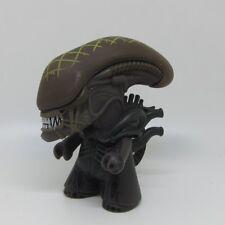 4.5 inch Grid Alien Vs Predator Loot Crate Versus Titans Action Figure