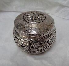 20TH Century 92.5 STERLING SILVER CUTCH INDIA Hinged BOX Pierced FOLIATE Decor