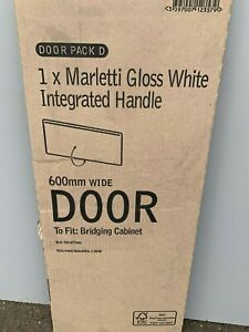 B&Q Marletti gloss white Handless integrated Handle 600x 277mm PACK D
