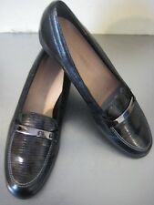 Munro American Leather Loafer Shoe. Size 11 M