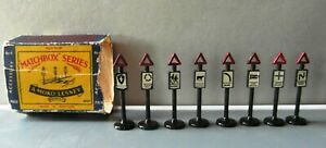Matchbox Acessory Pack A4 - 8 Road Signs VGC