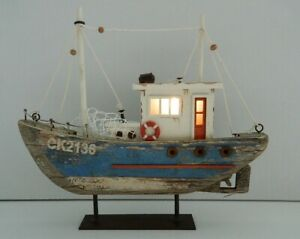 22 CM ORNAMENTAL RUSTIC FISHING BOAT TRAWLER WITH LED LIGHTS NAUTICAL SEASIDE