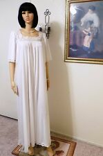 LUCIE ANN vintage Nylon PURE WHITE & LACE Short Sleeves Nightgown size S small