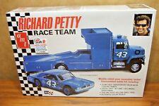 Amt Richard Petty Race Team 1/25 Scale Model Kit