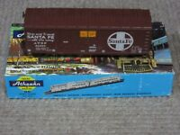 Athearn HO Scale Santa Fe (ATSF) 40 Foot Grainloading Box Car Assembled Kit New