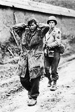 WW2 - Saint-Lô Juillet 1944 - Parachutiste  allemand prisonnier des Américains