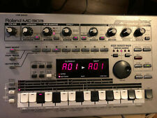 Roland MC-303 Groovebox Drum Machine NICE!