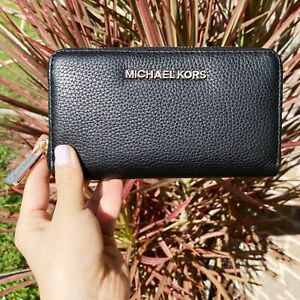 Michael Kors Jet Set Multifunction Zip Around Wallet Black Pebbled Leather