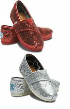 TOM'S CLASSICS GLITTERS 007013D11, COLOR RED,SILVER TODDLER SIZES:T6 TO T11. NWT