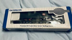 Bachmann #16702 HO Flat car w/piggy back Trailer B&O #8966 REA Express trailer
