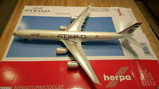 Herpa Etihad Airways A340-642X 1:200 556347 Formula One A6-EHK