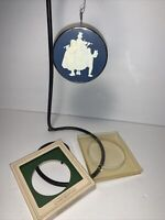 Vintage 1981 Hallmark Norman Rockwell Cameo Keepsake Ornament Caroler
