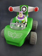 Figurine 12 cm et voiture 20 cm x 17 cm BUZZ  Disney PIXAR bouton son fonctionne