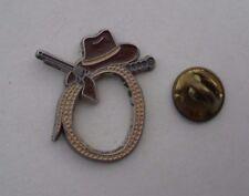 Comic Film INDIANA JONES Whip Hat Pistol RARE Vintage METAL PIN BADGE Pins Game