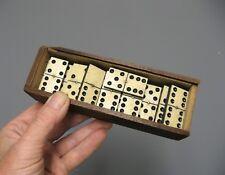 Ancien jeu de société de domino.