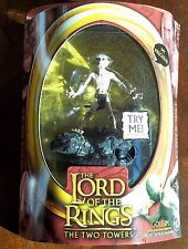 LOTR. GOLLUM W/ ELECTRONIC SOUND BASE. THE TWO TOWERS. HALF MOON. SEE NOTE. NIB