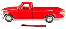 ERTL AMT 1994 Ford F150 Pickup XLT, 1:25 Scale, Red. Plastic ERTL