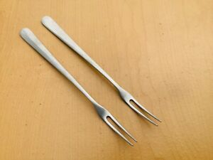 """Gense 18/8 Stainless Flatware in the """"Thora"""" pattern"""