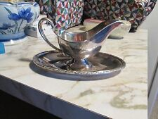VINTAGE WM ROGERS *EVANDALE* SILVERPLATE GRAVY SAUCE BOAT W/ATTACHED UNDERPLATE